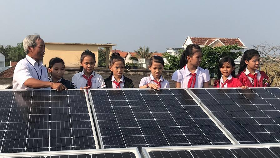 Điện mặt trời trên Trường Học