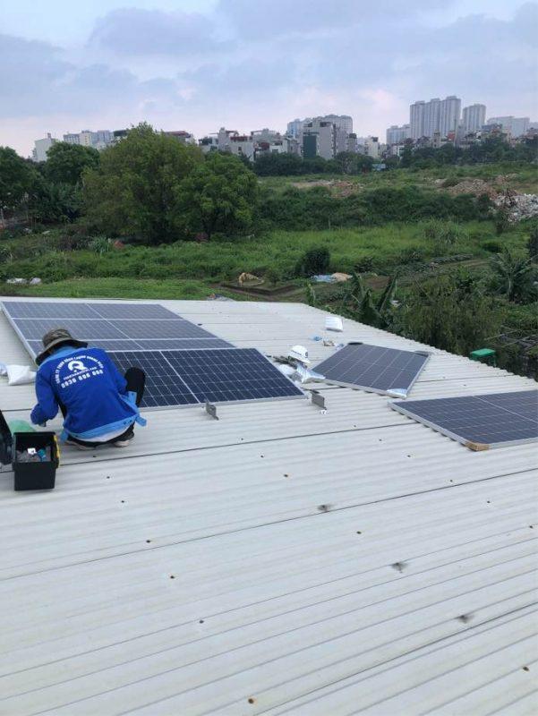Lắp điện mặt trời hybird 5kw lưu trữ khắc phục tinh trạng điện yếu tại Hà Cầu Hà Đông Hà Nội