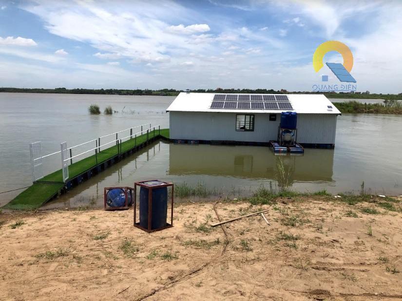 Lắp điện mặt trời hybird tại Hà Nội - hệ thống 10 kw trên bè nổi sông Hồng