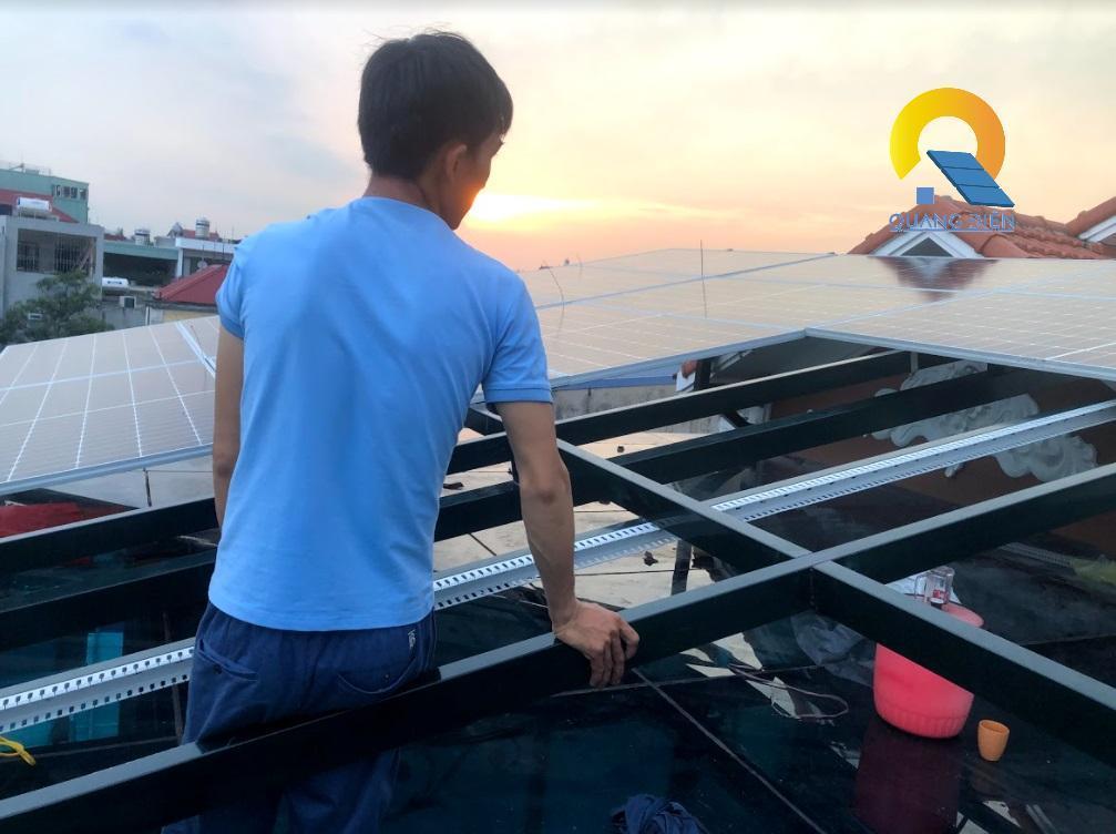 Lắp điện mặt trời hybird tại Hải Phòng phần lắp tấm pin