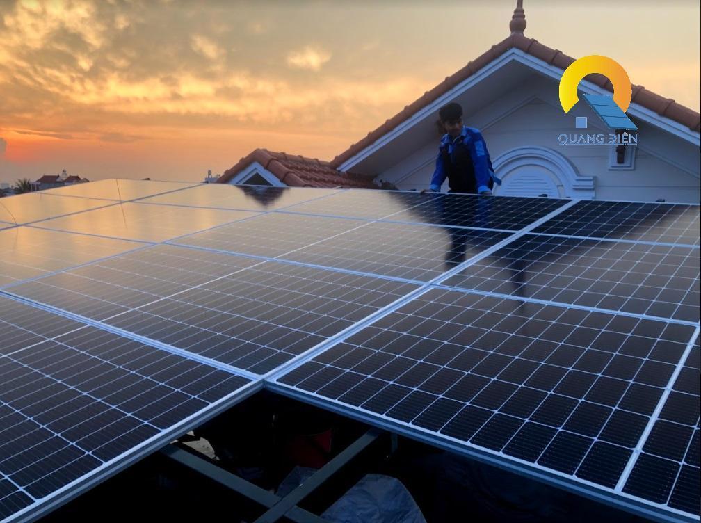 Lắp điện mặt trời hybird tại Hải Phòng phần lắp 22 tấm pin
